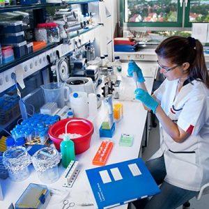 ALTERNANT(E) TECHNICIEN(NE) DE LABORATOIRE EN MICROBIOLOGIE
